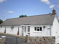 Bwthyn Trewindsor Holiday Cottage