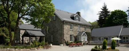 Gellifawr Hotel, Restaurant & Cottages