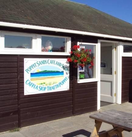 Poppit Sands Cafe & Shop