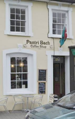Pantri Bach Coffee Shop