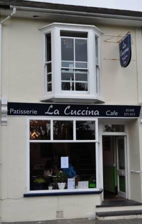 La Cuccina Café & Patisserie