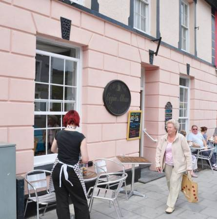 Cegin Alban Café