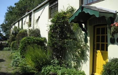 Parc Y Llong Cottages